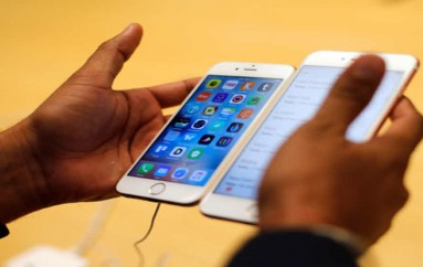 Biz Break: FBI might be benefitting from Apple's stinginess with hackers