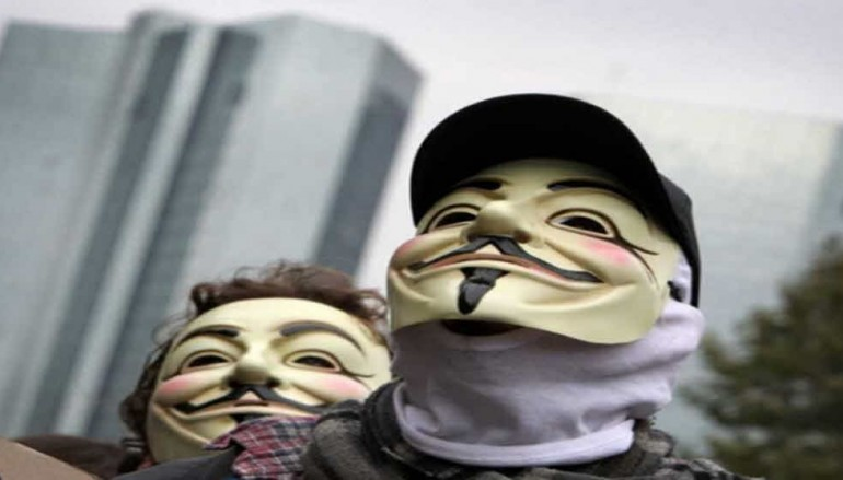 New video by Anonymous hackers is now backing Donald Trump