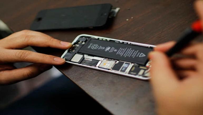 FBI tells local police it will help unlock iPhones when possible