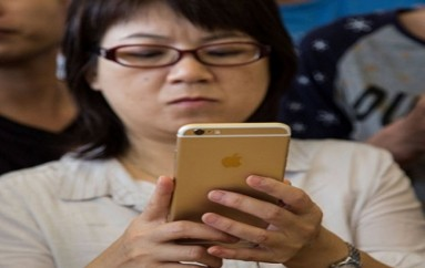 Movies And iBooks Services Shut Down In China Is Big Blow To Apple: Here's Why