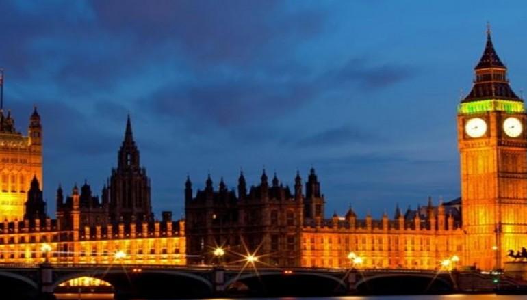 Despite hacking and snooping fears, web surveillance legislation sails forward