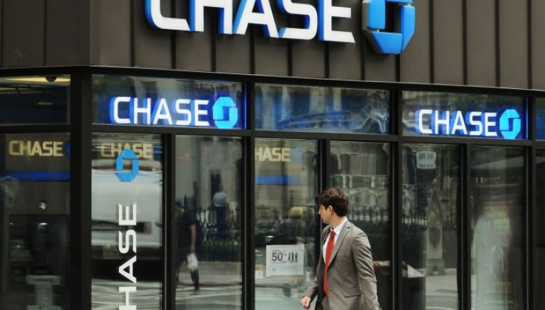 "JP Morgan Chase Affected with Internal ""glitch"" and Customers Bank Account shows others Account Information"