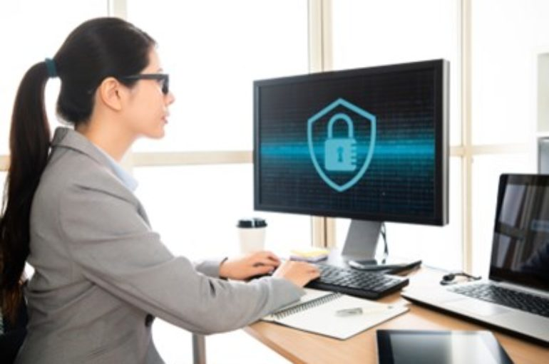 Employees' Poor Security Habits Getting Worse, Survey Finds