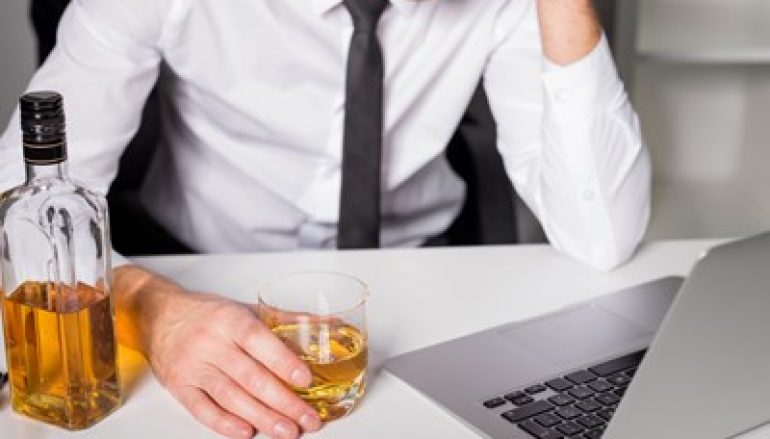CISOs Hit the Bottle as Workplace Pressures Build