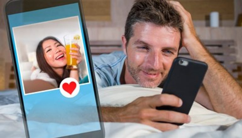 Security Experts Slam Group Hook-Up App