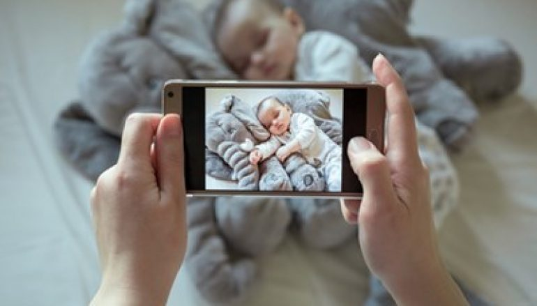 App Leaks Thousands of Baby Photos and Videos Online